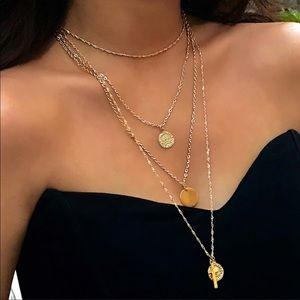 Jewelry - 🔥 layered gold coin necklace